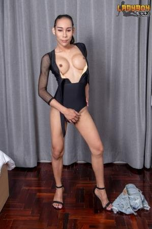 Gorgeous EikQ Is Here Again! (EikQ)  [FullHD] LadyBoy.xxx