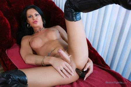 From Russia with a Dildo (Lina Cavalli)  [HD] Bobs-TGirls