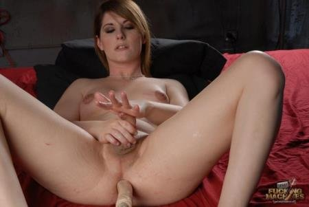 Solo (Amy Daly)  [HD] ShemaleFuckingMachines.com