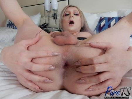 Horny And All Alone (Hayley Hilton)  [FullHD] Pure-ts.com
